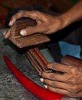 Rajasthan , Jodhpur : bracelet en sève de Banian (Banyan)
