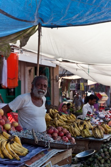 n115/rajasthan.jodhpur.marche.sardar.1.jpg