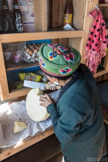 n356/nepal.fromage.yak.nak.1.jpg
