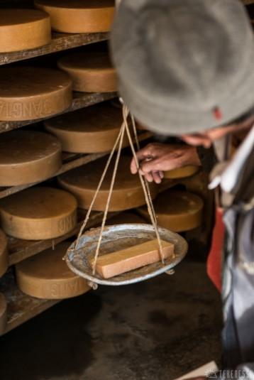 n356/nepal.fromage.yak.nak.4.jpg