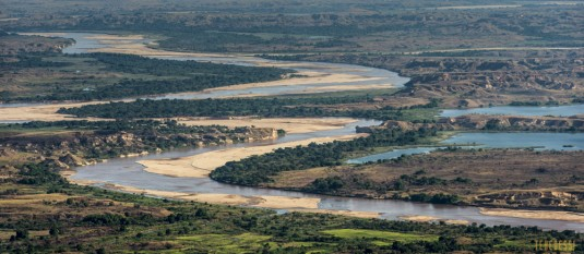 n527/tsingy.madagascar.bemaraha.7.jpg