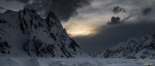 n579/pakistan.baltoro.ski.tour.k2.broad.peak.mitre.pulka.gasherbrum.13.jpg