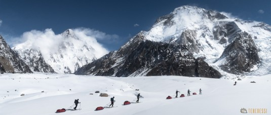 n579/pakistan.baltoro.ski.tour.k2.broad.peak.mitre.pulka.gasherbrum.26.jpg