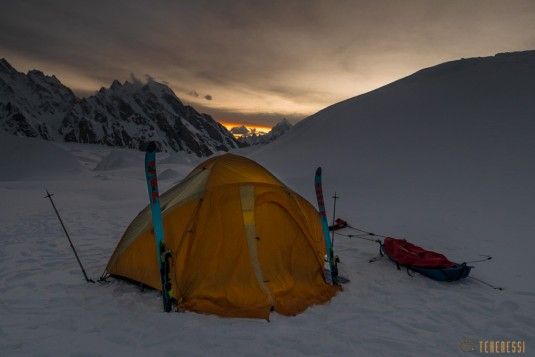 n580/pakistan.baltoro.ski.telemark.camp.k2.4.jpg
