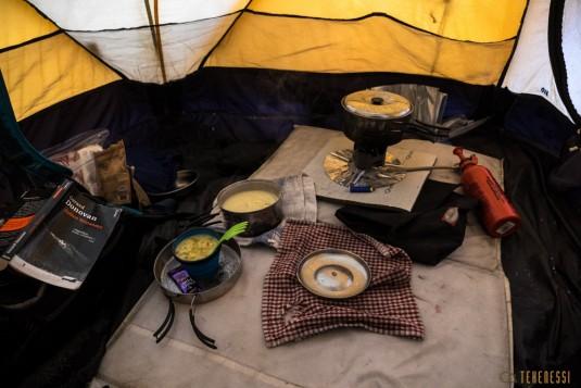 n588/pakistan.baltoro.ski.tour.k2.broad.peak.mitre.cuisine.cooking.1.jpg
