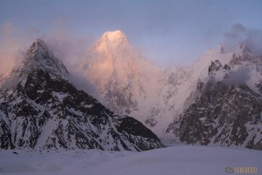 n628/Pakistan.Baltoro.Ski.telemark.Tour.K2.Gsasherbrum.Mitre.Trongo.25.jpg