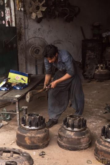 n657/Camion.Pakistan.Bus.peinture.21.jpg