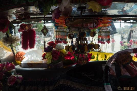 n657/Camion.Pakistan.Bus.peinture.3.jpg