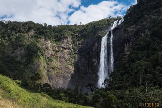 n661/Sakaleona.trek.Madagascar.Tanalana.Zafimaniry.hauts.plateaux.16.jpg