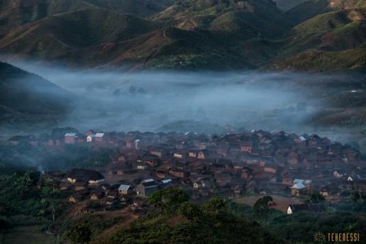 n661/Sakaleona.trek.Madagascar.Tanalana.Zafimaniry.hauts.plateaux.5.jpg