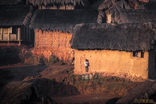 n661/Sakaleona.trek.Madagascar.Tanalana.Zafimaniry.hauts.plateaux.6.jpg