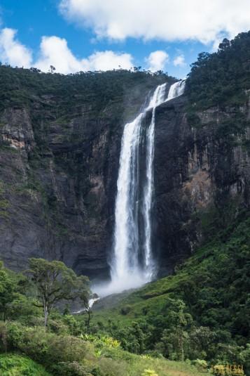 n663/Sakaleona.chutes.falls.Madagascar.trek.20.jpg