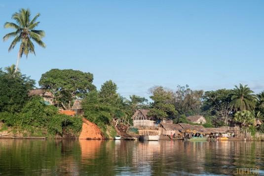 n667/Madagascar.Canal.Pangalane.sud.trek.Sakaleona.14.jpg