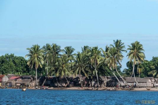 n667/Madagascar.Canal.Pangalane.sud.trek.Sakaleona.16.jpg