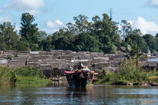 n667/Madagascar.Canal.Pangalane.sud.trek.Sakaleona.18.jpg