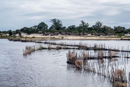 n667/Madagascar.Canal.Pangalane.sud.trek.Sakaleona.5.jpg