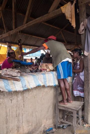 n668/Madagascar.marches.legumes.viandes.rhum.13.jpg