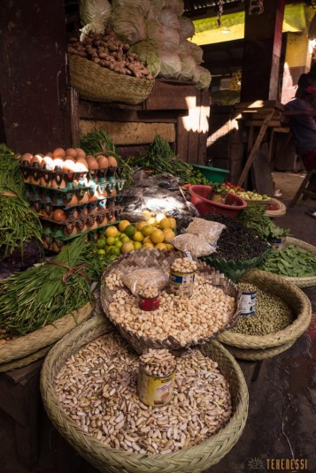 n668/Madagascar.marches.legumes.viandes.rhum.18.jpg