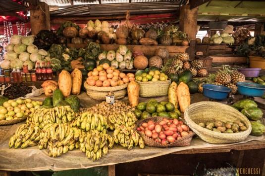 n668/Madagascar.marches.legumes.viandes.rhum.20.jpg