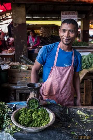 n668/Madagascar.marches.legumes.viandes.rhum.29.jpg