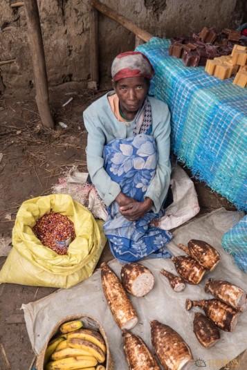 n668/Madagascar.marches.legumes.viandes.rhum.3.jpg