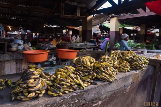 n668/Madagascar.marches.legumes.viandes.rhum.30.jpg