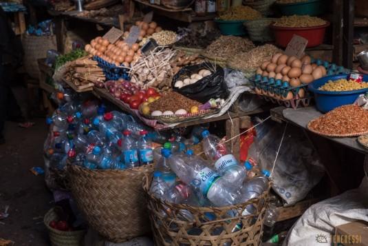 n668/Madagascar.marches.legumes.viandes.rhum.32.jpg
