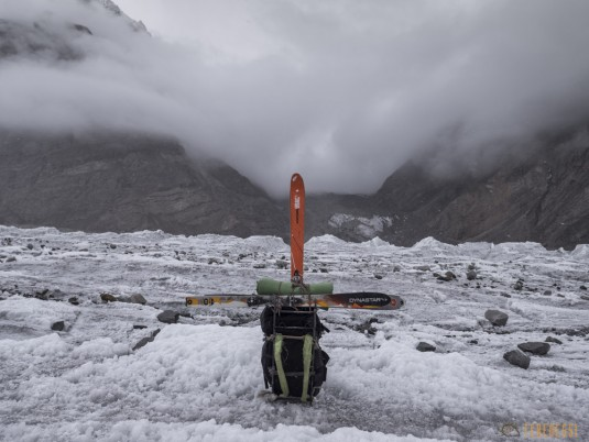 n742/Porteurs.Nepal.Pakistan.Shimshal.Hsipar.Snow.lake.7.jpg