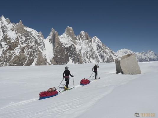 n745/Nepal.Pakistan.Shimshal.Hispar.Biafo.Snow.lake.14.jpg