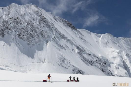 n820/Ski.Hindu.kush.Chiantar.glacier.Chitral.Borogil.Pakistan.travel.9.jpg