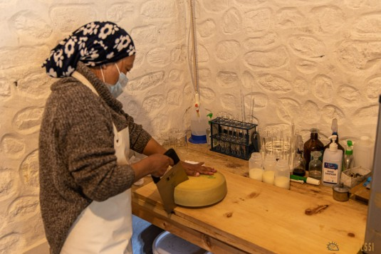 n840/Nepal.Haut.dolpo.Rara.Kekyap.tek.Boiveau.Cheese.Bhijjer.fromage.6.jpg