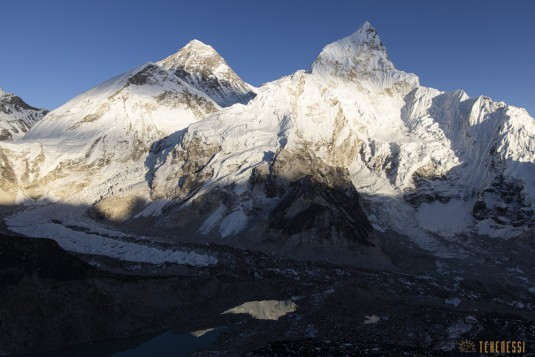 n871/Everest.Khumbu.Lotse.Nputse.Boiveau.Tekenessi.GHT.Nepal.12.jpg