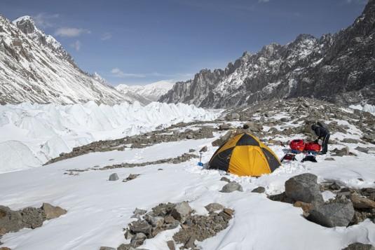 n905/Shimshal.Lukpe.la.Snow.lake.Biafo.Ski.expedition.10.jpg