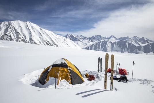n905/Shimshal.Lukpe.la.Snow.lake.Biafo.Ski.expedition.16.jpg