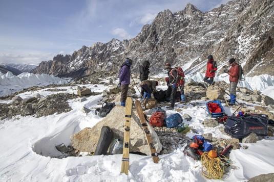 n908/Rabbit.on.the.Roof.Peter.Steltzner.Chamonix.Shimshal.Lukpe.la.Snow.lake.Biafo.Ski.expedition.1.jpg