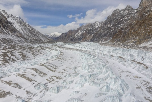 n913/Drone.TraverseI.e.Ski.Shimshal.Lukpe.la.Snow.Lake.Askole.Pakistan.9.jpg