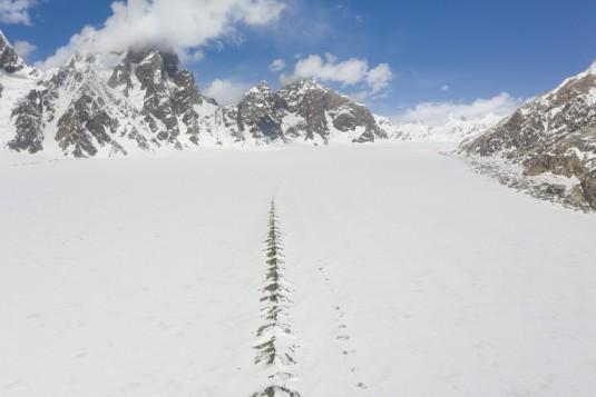 n915/Shimshal.Lukpe.la.Snow.lake.Biafo.Ski.expedition.28.jpg