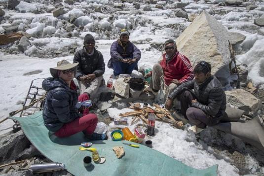 n915/Shimshal.Lukpe.la.Snow.lake.Biafo.Ski.expedition.29.jpg
